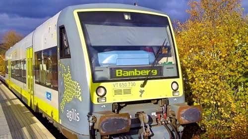 Zug im Bahnhof Ebern